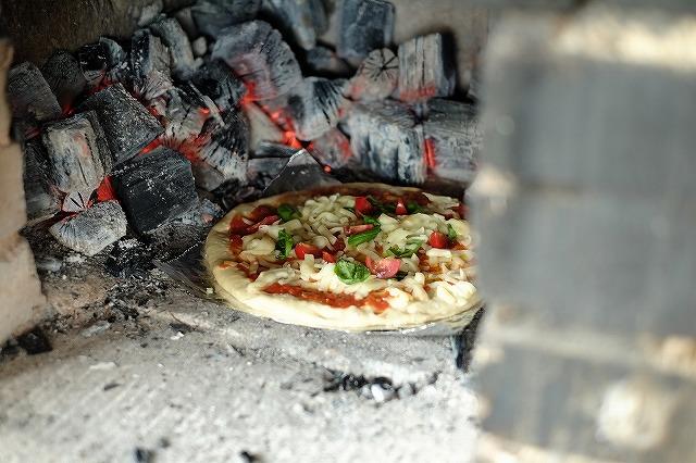 自作のピザ窯